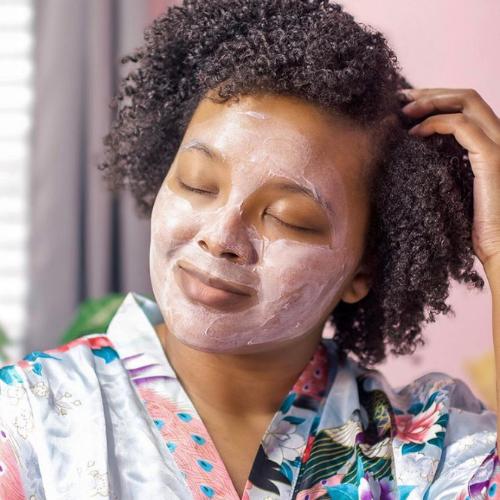 Black woman wearing a face mask